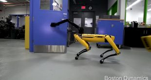 boston dynamics spotmini robot porte