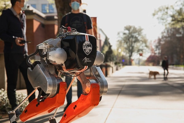Cassie, le premier robot qui peut courir