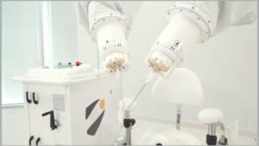 Symani, robot cirurgical
