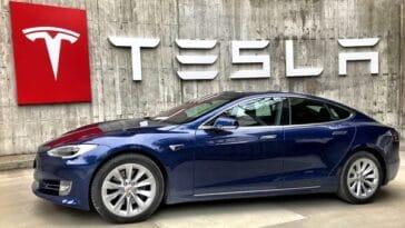 Promesse Tesla : pilotage automatique